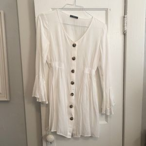 White long sleeve casual dress